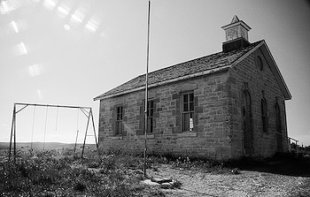 kansas flint hills abandoned school house